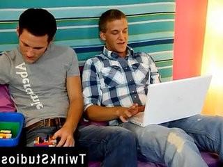 Gay man deep tongue smooching These studs webcameron Greenway and Ryan