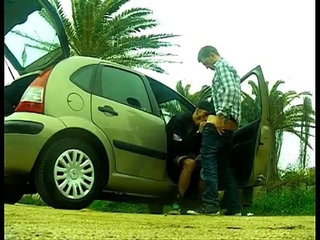Mamando Desde El Carro