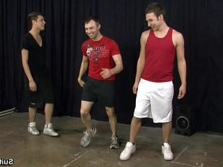 Gay jocks Aaron, Damon and Devon share dicks